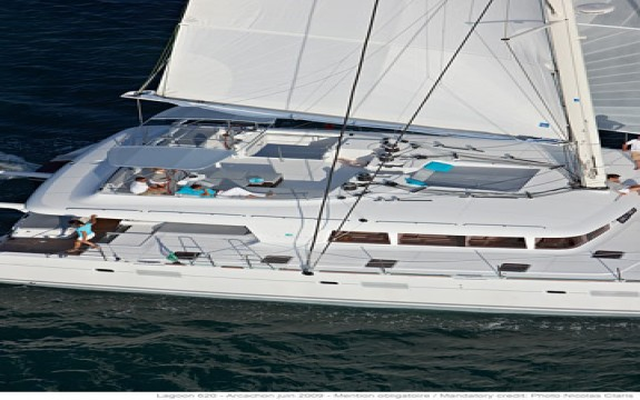 Lagoon 620 Crewed